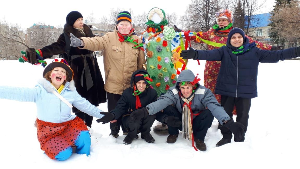 «Ойкос» начался с проводов зимы в «УЛЬЕ»